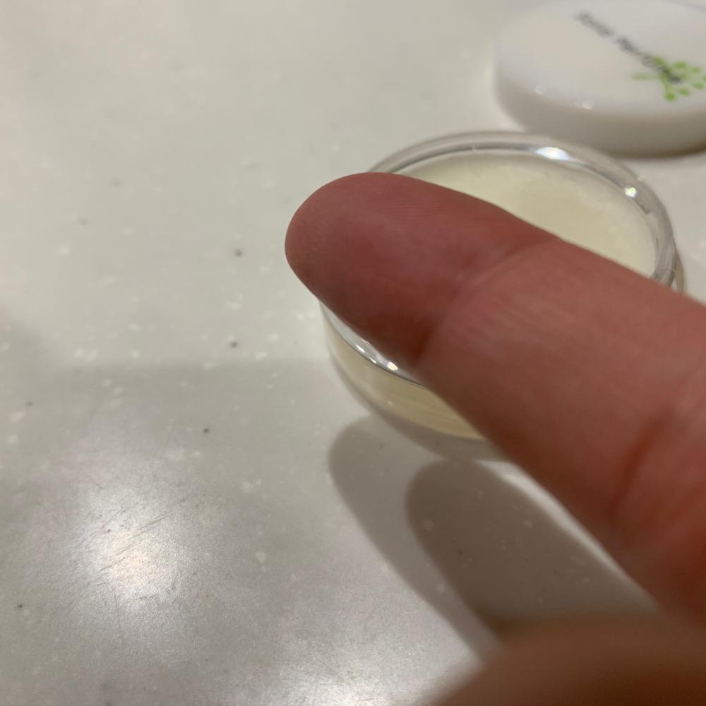 乾燥した人差し指
