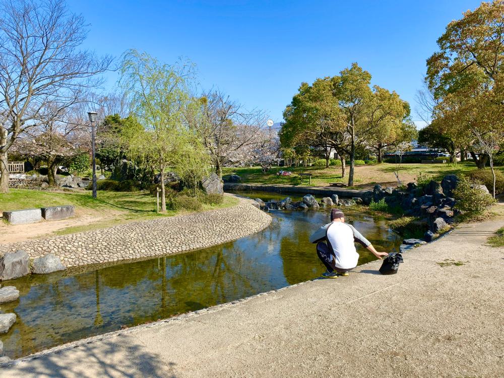 杖ノ淵公園の中の小川