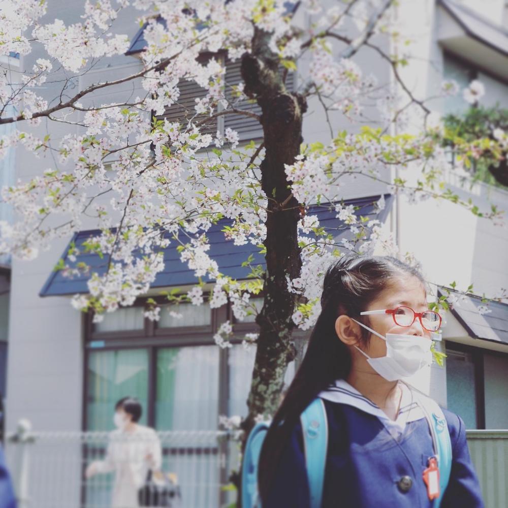 長女の小学校への入学式で門出を祝うことができたことに感謝 – 歳月庵